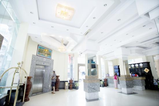 薩麗塔酒店