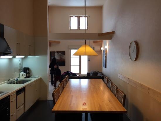 Gondola Chalets: Dining and kitchen fully equipped with utensils