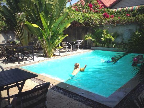 Sangker Villa: Poolside