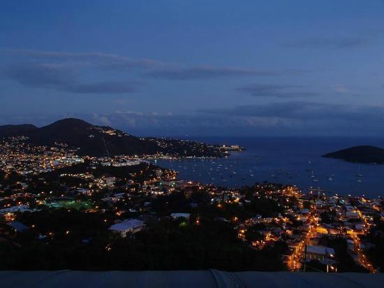 Mafolie Hotel: Night View of eastern Charlotte Amalie (April 2014)