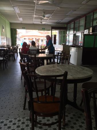 THE 10 BEST Restaurants Near Roomz Hotel in Seria, Belait