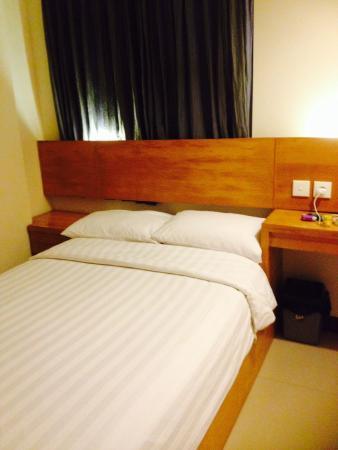 Sunset Residence Condotel: Single bedroom is big