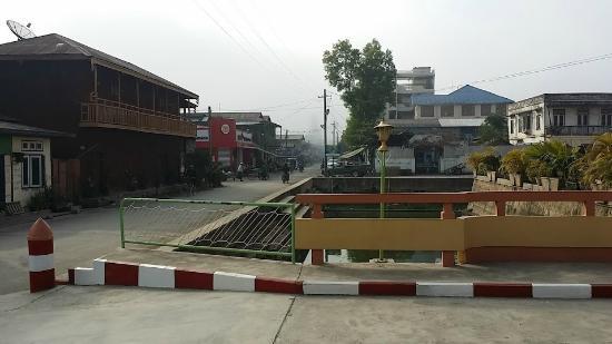 Hupin Hotel Nyaung Shwe: around