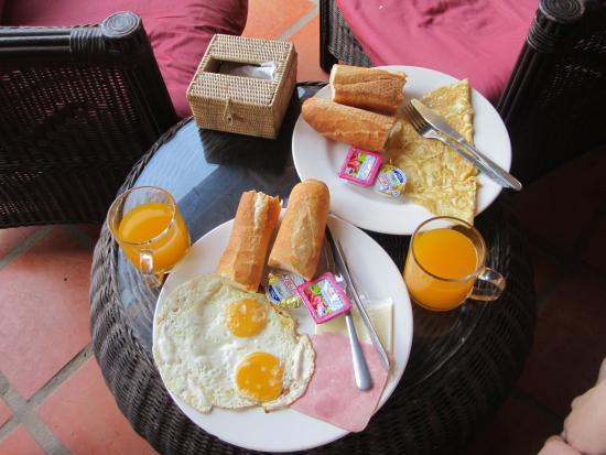 Lotus Lodge: Завтрак