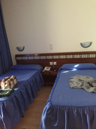 Hostal Felipe V: Habitacion muy confortable
