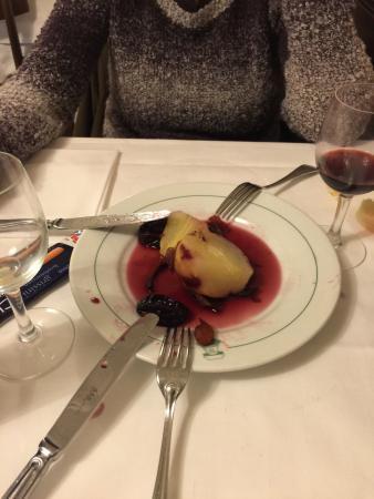 La Campana: Birne in Rotwein als Nachtisch