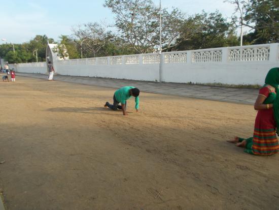Velankanni, India: people walking on their knees