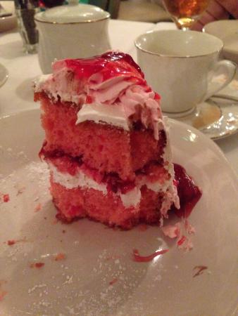 Finelli's Italian Villa : I was so full from the wonderful meal, I couldn't finish the delicious dessert.