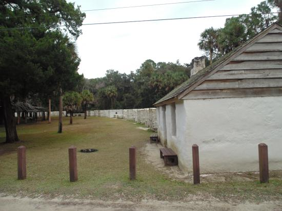 Slave quarters and restored cabin - Picture of Kingsley ...