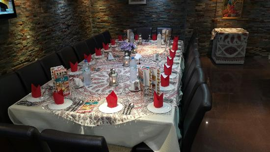 Hatam Al Tae Restaurant: Very good food ....nicely people  lovely  party  for yalda night