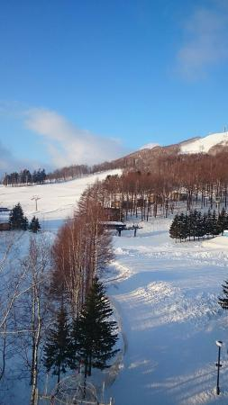 Rusutsu Resort Ski: View from our room from north wing, overlooking at the white lovers track ski lift.