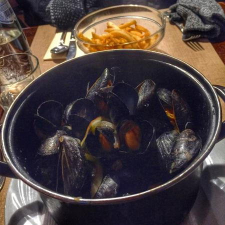 Vivaldi Restaurant: Mussels Vivaldi  Best restaurant in Bruges. Quick service and the portionis good. The mussels ar