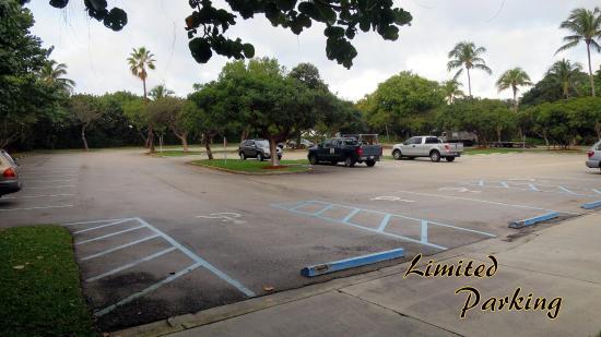 Gulfstream Park : Limited Parking