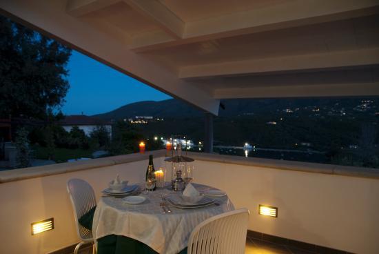 Cena terrazza suite - Picture of Ecoresort Casa degli Ulivi, Porto ...