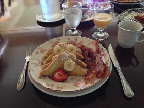 Gwyn Careg Inn: A beautiful breakfast!