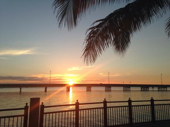 TT's Tiki Bar: Beautiful Sunset @ Peace River