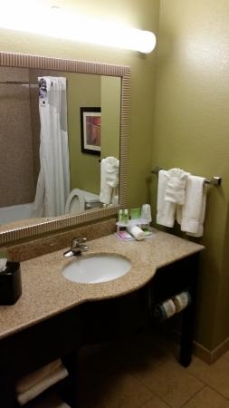 Holiday Inn Express Hotel & Suites Sweetwater: 2