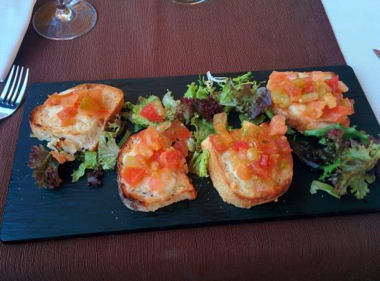 La Terrazza del Mare: Tomato bread