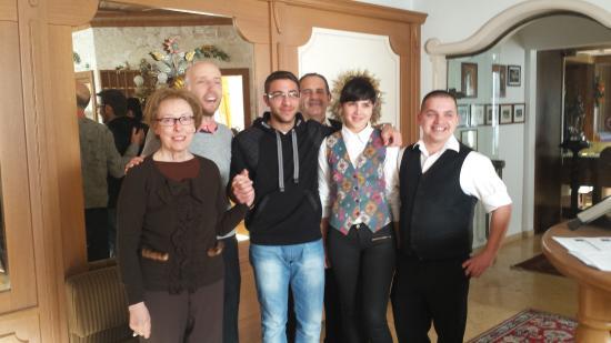 Hotel Bonapace: Gestori e personale