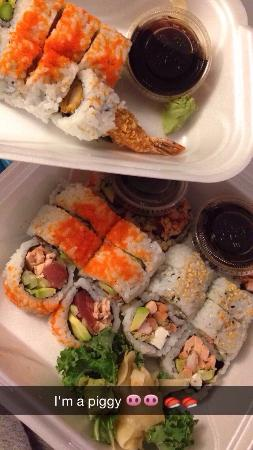 Sumo Sushi Bar & Grill : Take out sushi