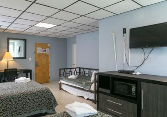 Econo Lodge - Seaside Heights / Toms River: Comfortable Family Room