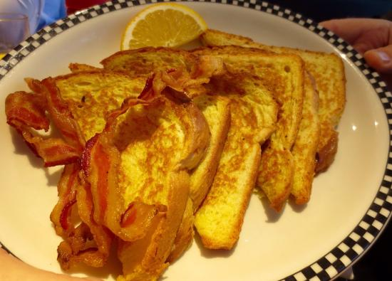 Misty Moonlight Diner: French toast with a side of bacon