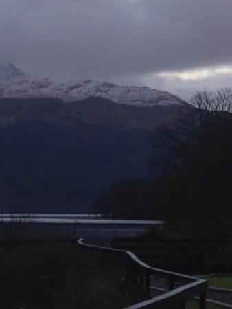 Loch Lomond Holiday Park: Snow on ben lomond