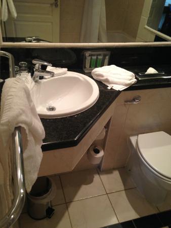 Holiday Inn Killarney: Sink.