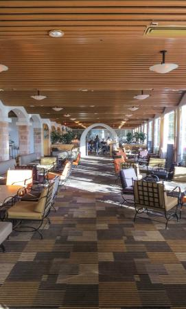 Isrotel Ramon Inn: Hallway area, photo by Mike Keenan