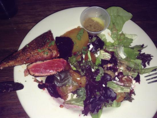 Cafe Karibo: Blackened tuna