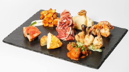Urania Tapasbar & Restaurant