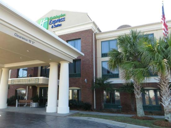 Holiday Inn Express & Suites Florence I-95 & I-20 Civic Ctr: Hotel
