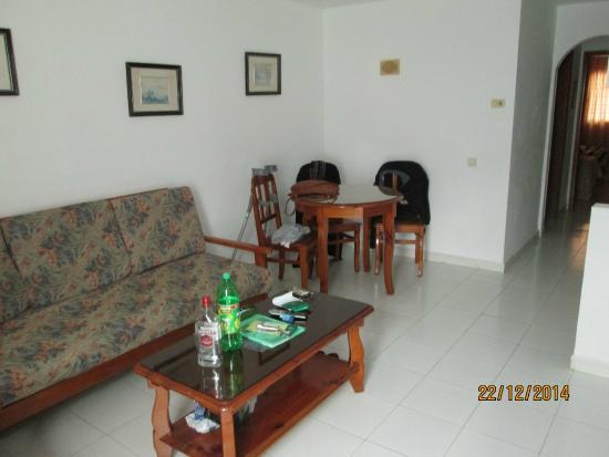 Morana Apartments: patio door inwards