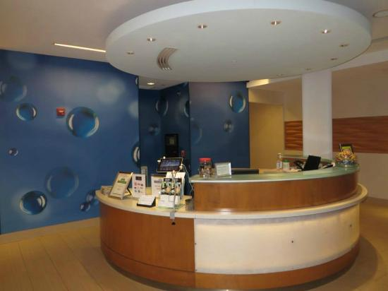 SpringHill Suites Ashburn Dulles North: Lobby