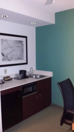 SpringHill Suites Asheville: Kitchen area