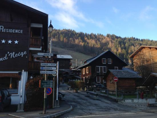 Residence Frond Neige: Front de neige ! Même si il n'y en a pas aujourd'hui...