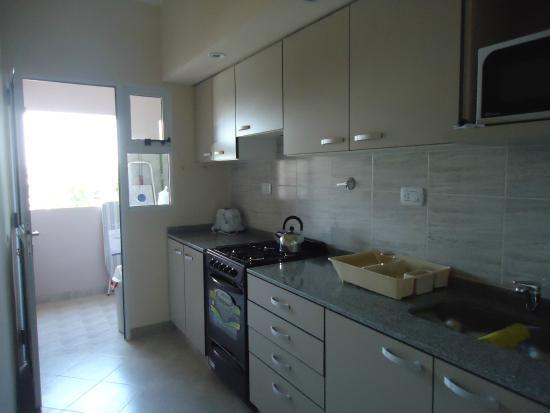 Cocina lavadero separado al fondo picture of for Cocina departamento