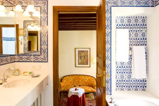 Azulejos Baño Marmol:Hotel San Lorenzo: Baños de mármol y azulejos típìcos