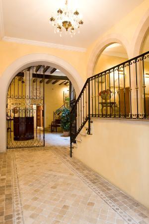 Hotel San Lorenzo: entrada y patio
