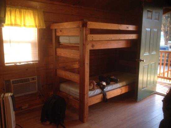 Asheville West KOA: Inside of Kabin