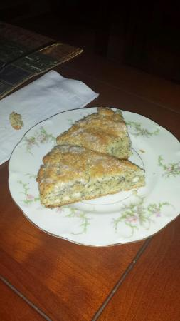 Rosehaven Inn Bed and Breakfast: Lemon Poppy Scones