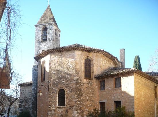 The French Way - Artisans Tour in Tourrettes-sur-Loup : il retro della chiesa di Place de la Liberation