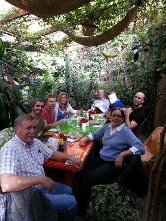Sabe Rico: lush garden seating