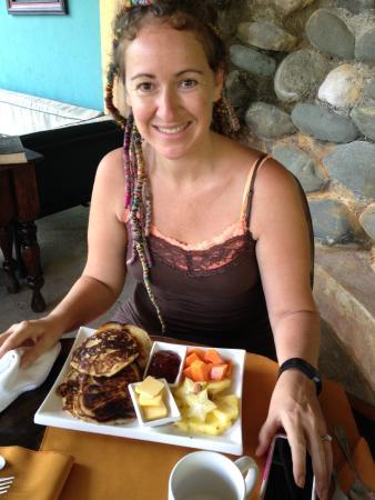 Las Cascadas The Falls: My Hunnybunny with breakfast