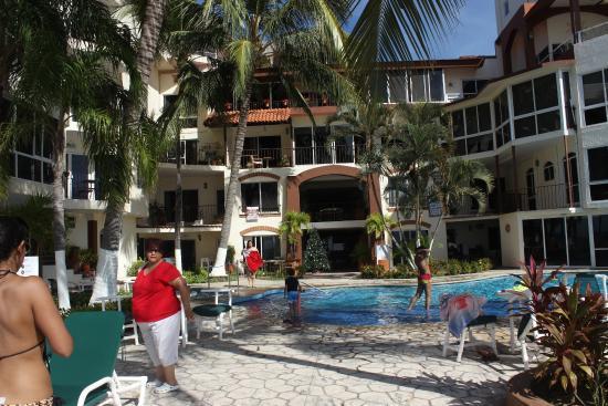 Suites Atlas: Vista del hotel desde la playa