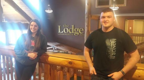 The Lodge at Giant's Ridge: The kids enjoying the lobby!