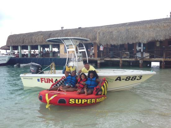 Fun 4 Every 1 Watersports Aruba: Photo Op