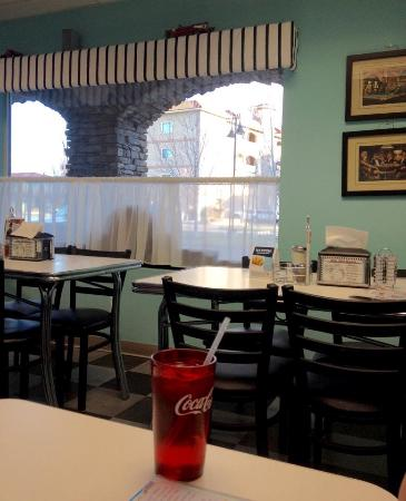 Rosy's Ice Cream & Diner: Interior