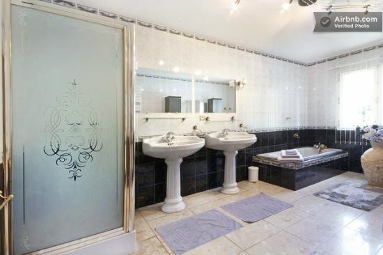 Les Chambres du Lac: Salle de bain