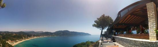 Dionysos Apartments: Breathtaking!